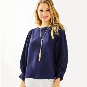 NWT Lilly Pulitzer Maisel Top Navy - Large